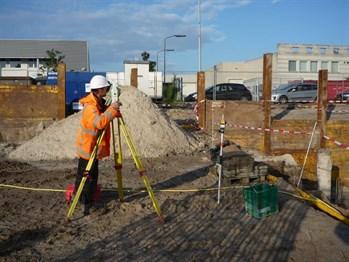 Ingenieursbureau-Coenrdie-Mark-Antonise-werkt-aan-Maatvoering-in-de-bouw-bij-ASML_349x262