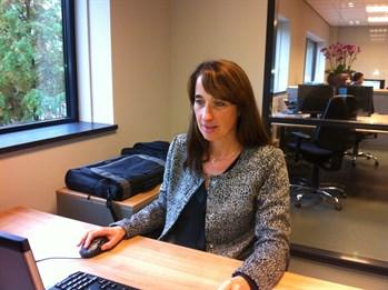 jolanda-de-jong-aan-het-werk-bij-ingenieursbureau-coenradie-projectleider-overheid_349x261